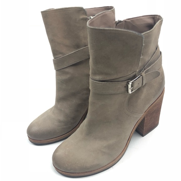 1f556bbc723f Sam Edelman Perry Suede Ankle Boot Putty. M 5b5a30705fef3723c7d013e0